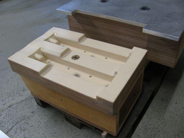 wiese busch gmbh galeriebereich kernk sten holz kunstharz kanalkern und kernkasten. Black Bedroom Furniture Sets. Home Design Ideas